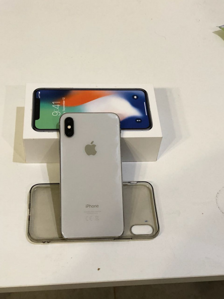 Купить iPhone X 64GB