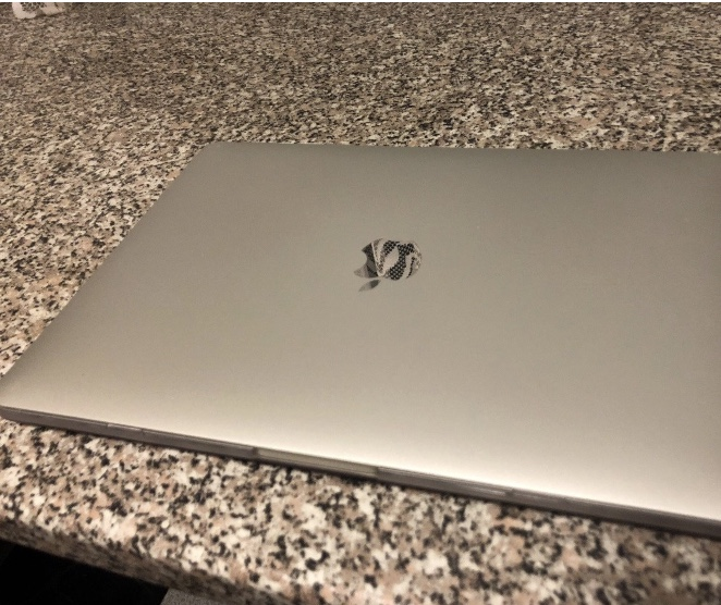 Купить MacBook 13""